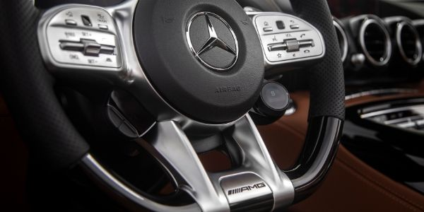 Steering wheel in 2020 Mercedes-AMG® GT C Roadster