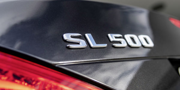 Closeup of SL 500 badging on 2020 Mercedes-Benz SL Roadster Grand Edition