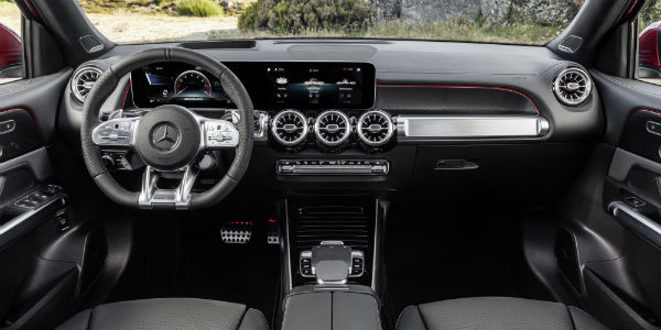 Steering wheel and dashboard in 2021 Mercedes-AMG® GLB 35