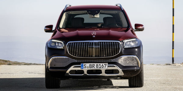 Front view of 2021 Mercedes-Maybach