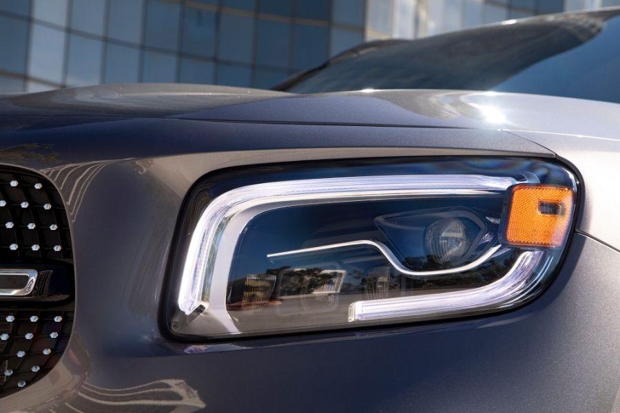 Headlight on 2020 Mercedes-Benz GLB