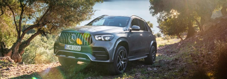 Mercedes-Benz GLE near lake