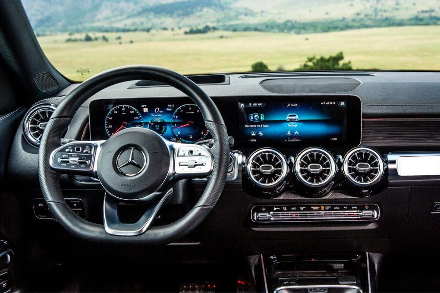 Interior front dash in 2021 Mercedes-Benz GLB
