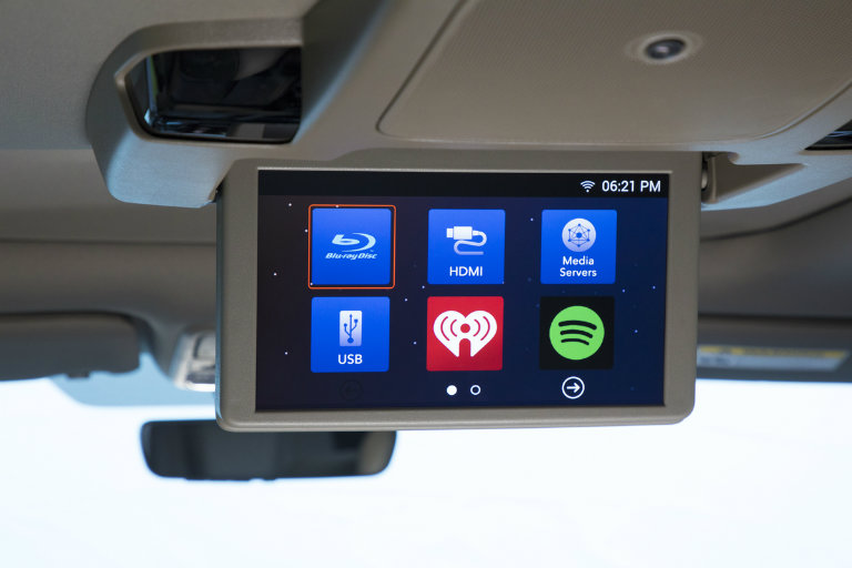 rear entertainment screen on the 2018 Honda Odyssey showing available inputs