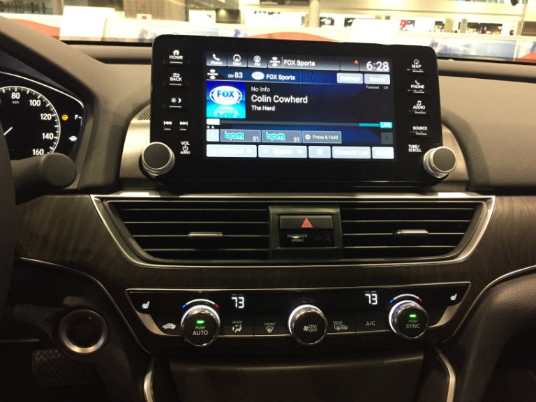 infotainment system of the 2018 Honda Clarity Plug-in Hybrid at the Chicago Auto Show 2018