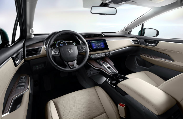 dashboard and front seats of the 2018 Honda Clarity Plug-in Hybrid