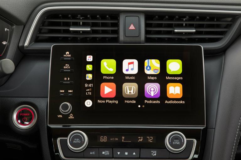 2019 Honda Insight infotainment display