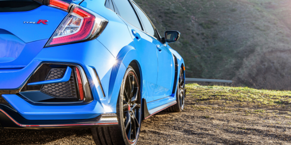 Closeup of rear bump on 2020 Honda Civic Type R