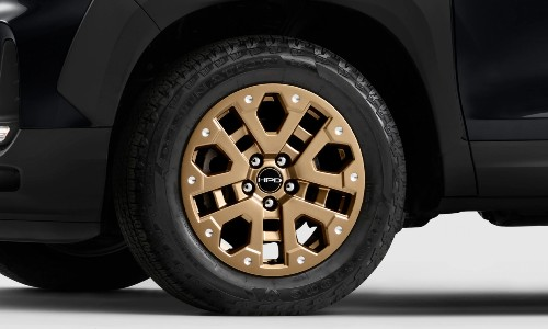 Closeup of bronze wheels on 2021 Honda Ridgeline