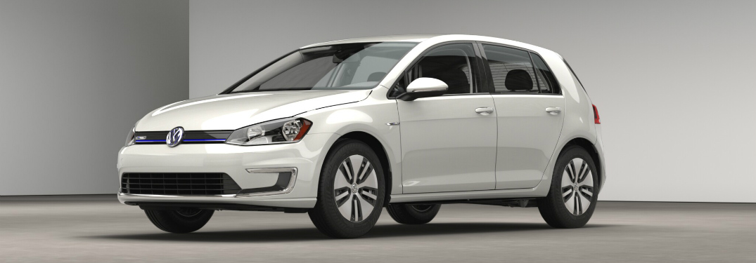 2016 VW e-Golf side view