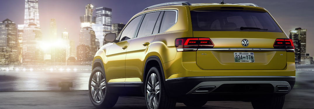 2018 Volkswagen Atlas at night rear view
