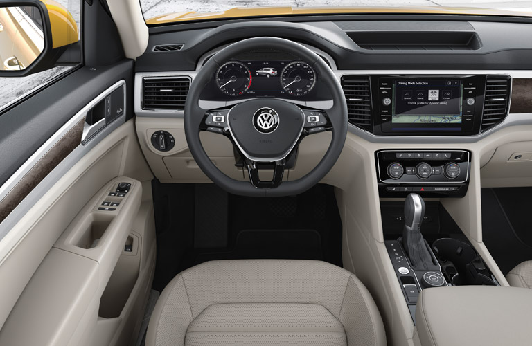 Steering wheel and Front seat of the 2018 Volkswagen Atlas