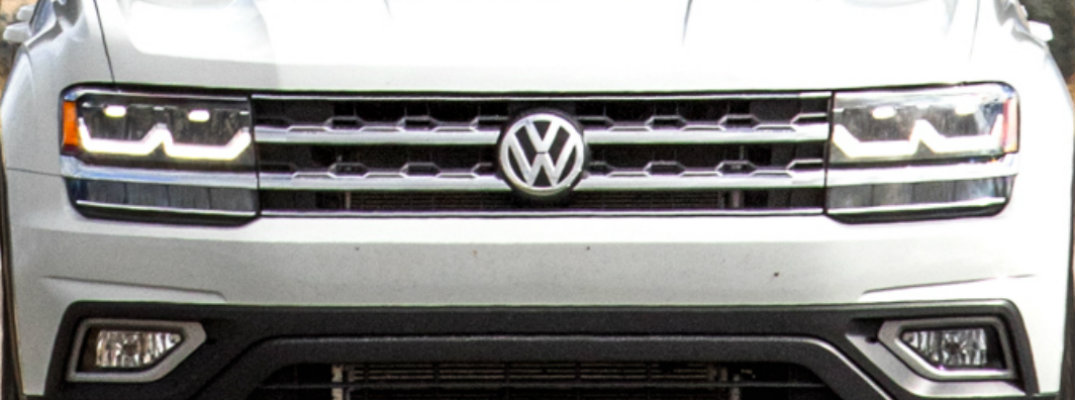 Front grille and emblem on a Volkswagen Atlas