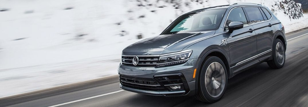 2020 VW TIguan exterior front fascia driver side on snowy road