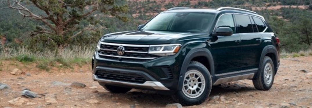 2021 VW Atlas exterior front fascia driver side on dirt path
