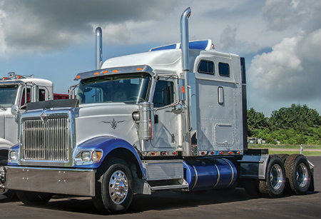 Benefits of buying used commercial trucks-Allstate Peterbilt