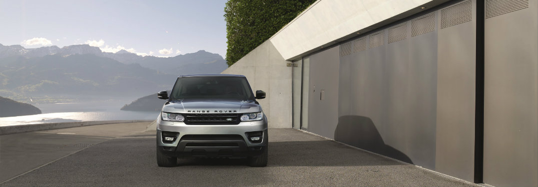 How many engines are offered on the 2017 Land Rover Range Rover Sport