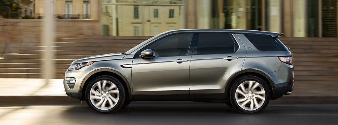 What Advanced Safety Features are available in the 2017 Land Rover Discovery Sport