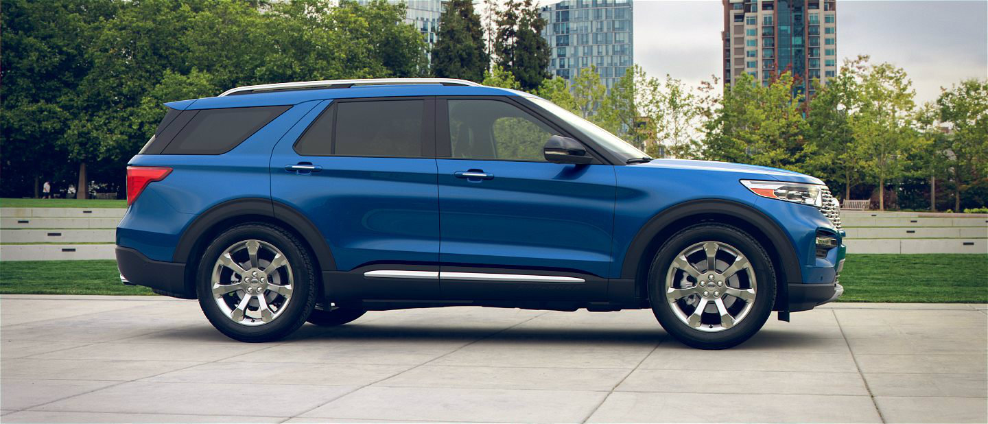 2020 Ford Explorer in Atlas Blue
