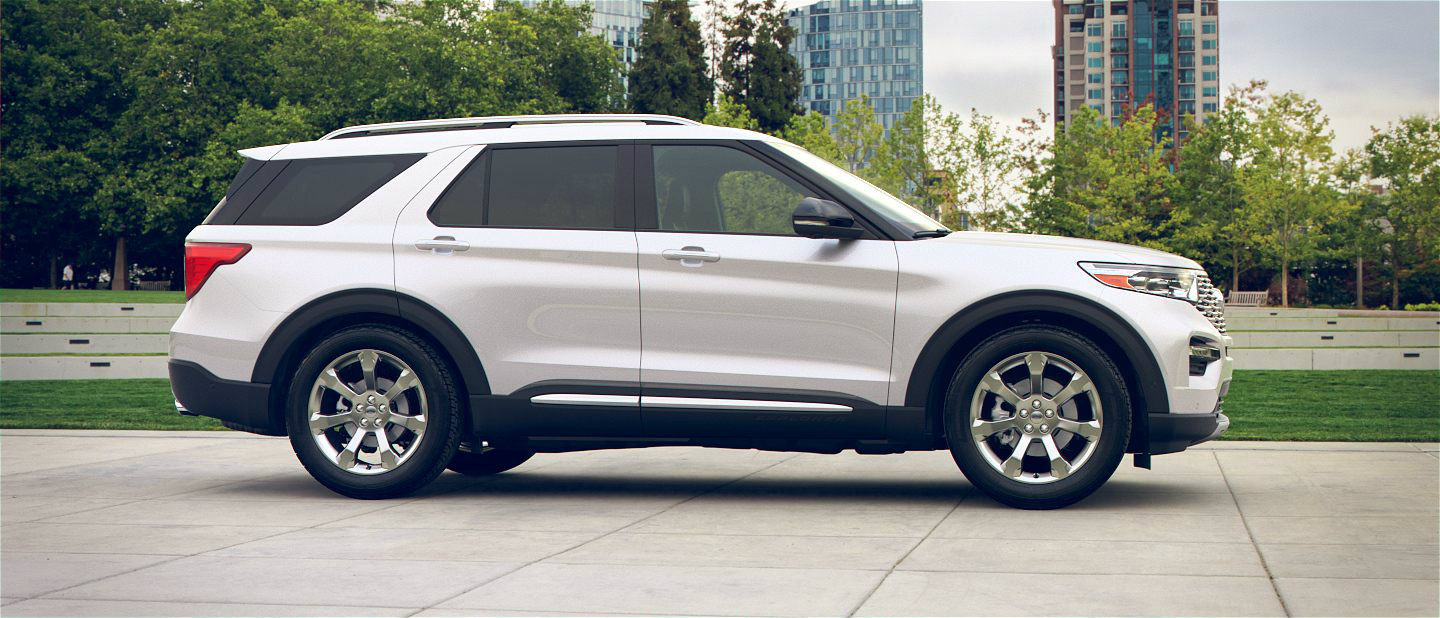 2020 Ford Explorer in Star White