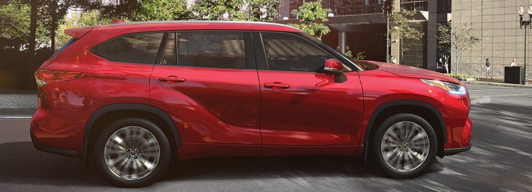 2020 Toyota Highlander parked in a parking lot