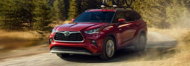 2021 Toyota Highlander on a dirt road
