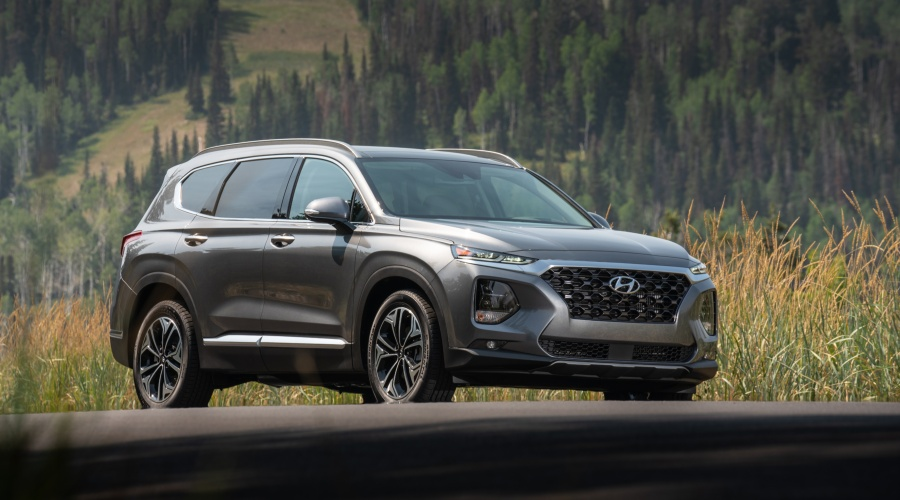 Side view of a gray 2019 Hyundai Santa Fe