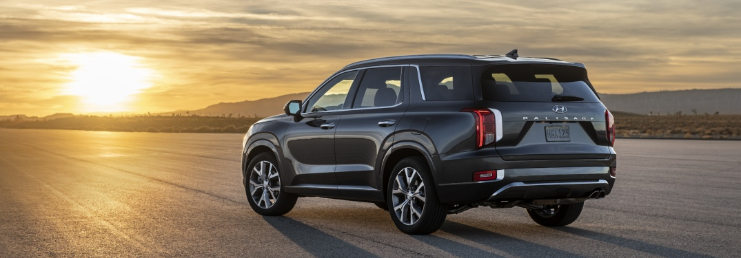 2020 Hyundai Palisade parked in front of sunset