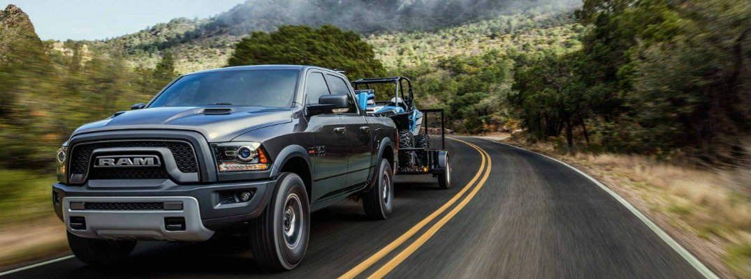 Nissan Frontier Vs Toyota Tacoma >> 2018 Dodge Ram 1500 Towing Capacity and Engine Specs