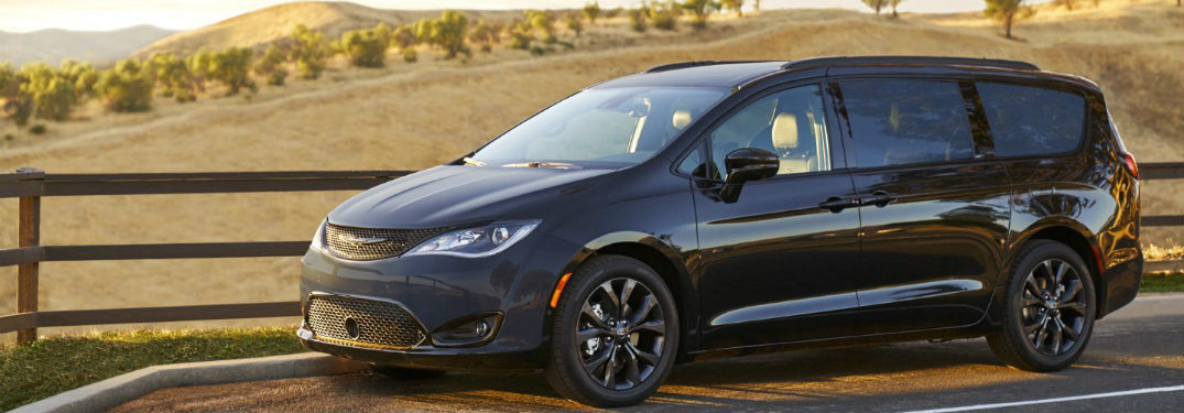 what is included in the 2018 chrysler pacifica s appearance package. Black Bedroom Furniture Sets. Home Design Ideas