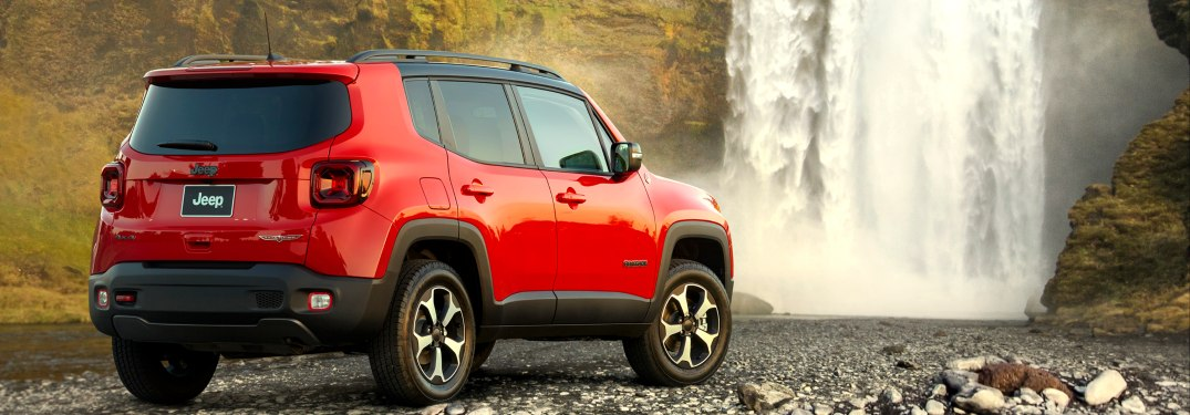 2019 Jeep Renegade parked in front of a wallpaper