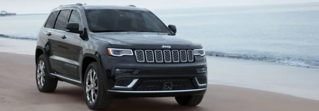 Does the 2019 Jeep Grand Cherokee have parking sensors?