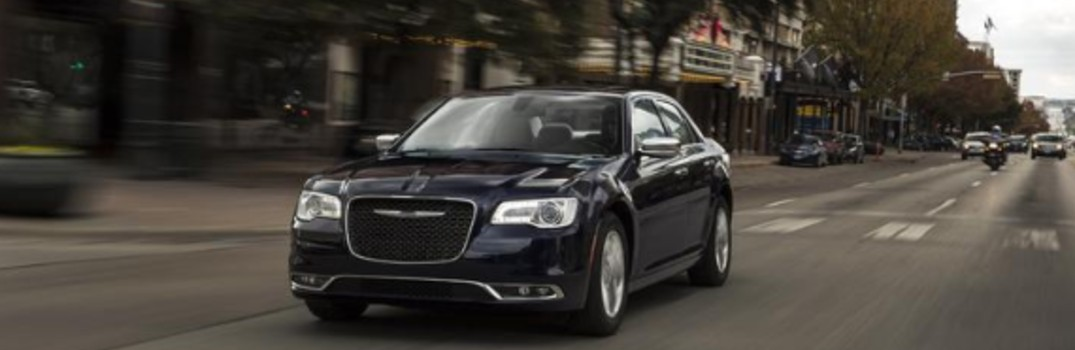 What are the available color options on the 2020 Chrysler 300?