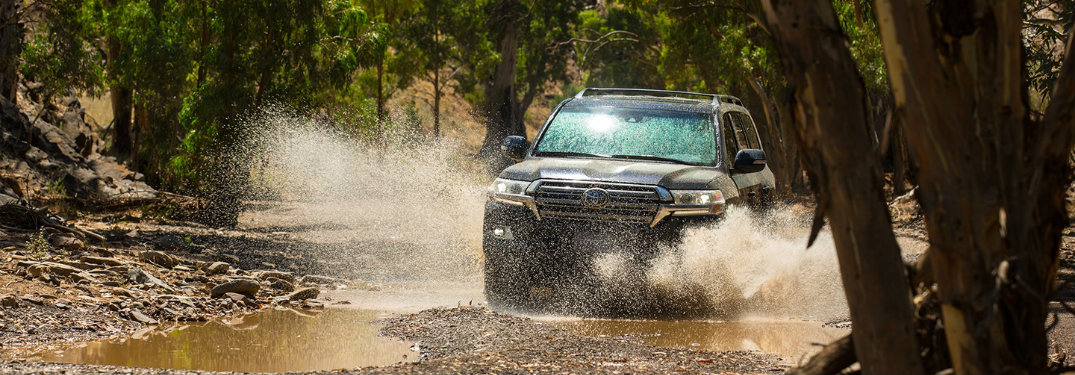 2018-Toyota-Land-Cruiser-driving-through-big-muddy-puddle