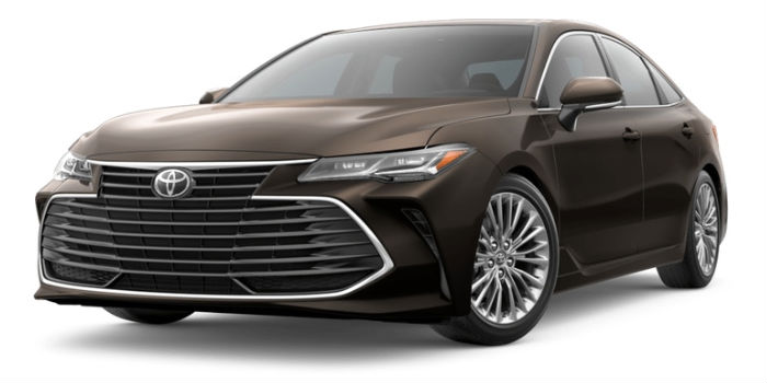 A front right quarter photo of the 2019 Avalon in Opulent Amber.