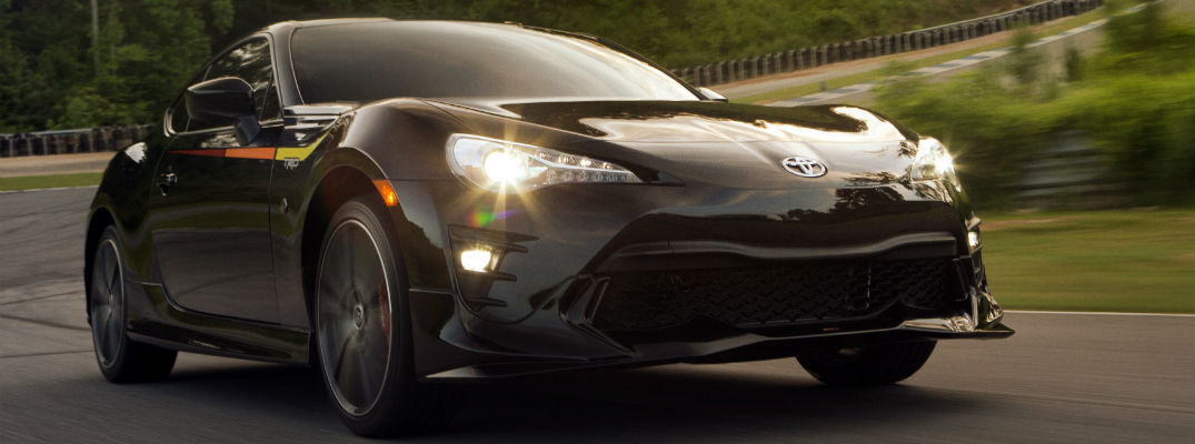 A front-quarter photo of the 2019 Toyota 86.
