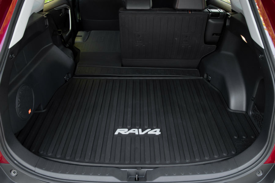 2017 Toyota Rav4 Xle >> 2019 RAV4 continues tradition for passenger space, cargo volume - Colonial Toyota