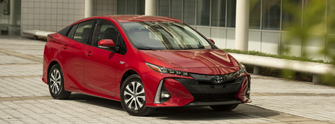 A front right corner photo of the 2020 Toyota Prius Prime.