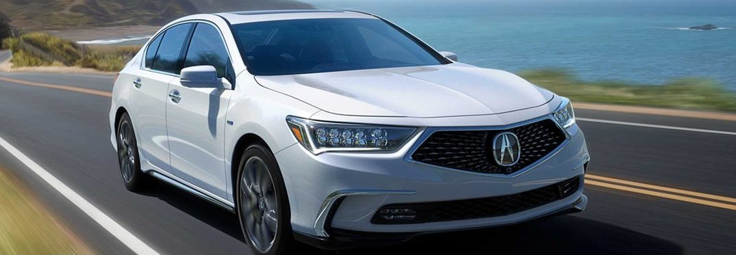 What features come standard with the 2019 Acura RLX?