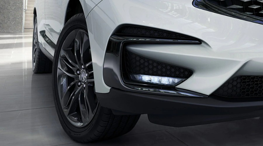 Close up of the Wheel and LED lights on the 2020 Acura RDX