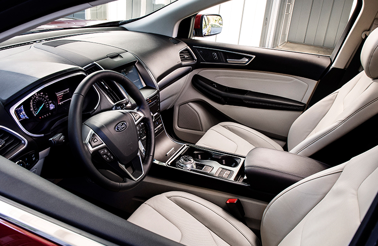 2019 Ford Edge dashboard and front seating