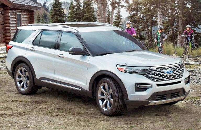 2020 Ford Explorer in white