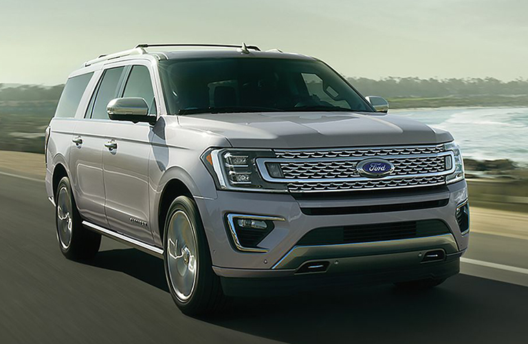 2019 Ford Expedition in white