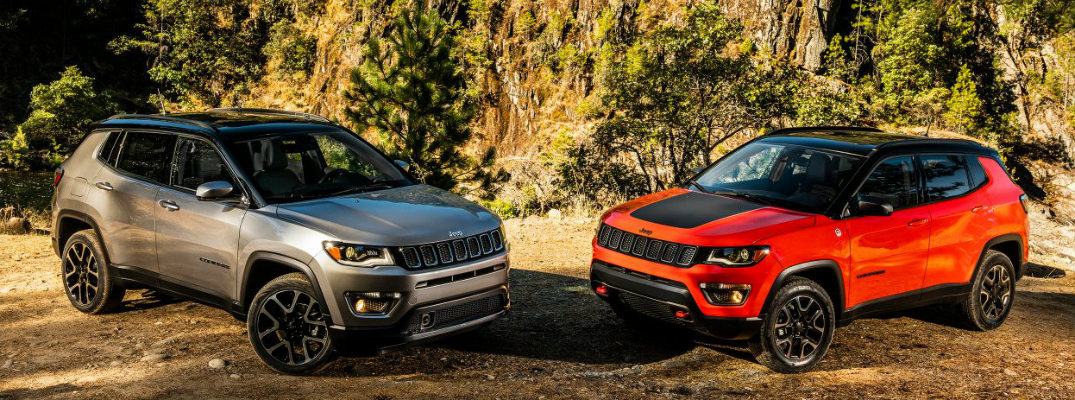 What trims are available for the 2017 Jeep Compass?
