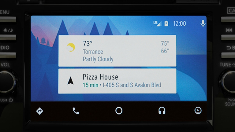 How to Use Apple CarPlay and Android Auto in Your Nissan