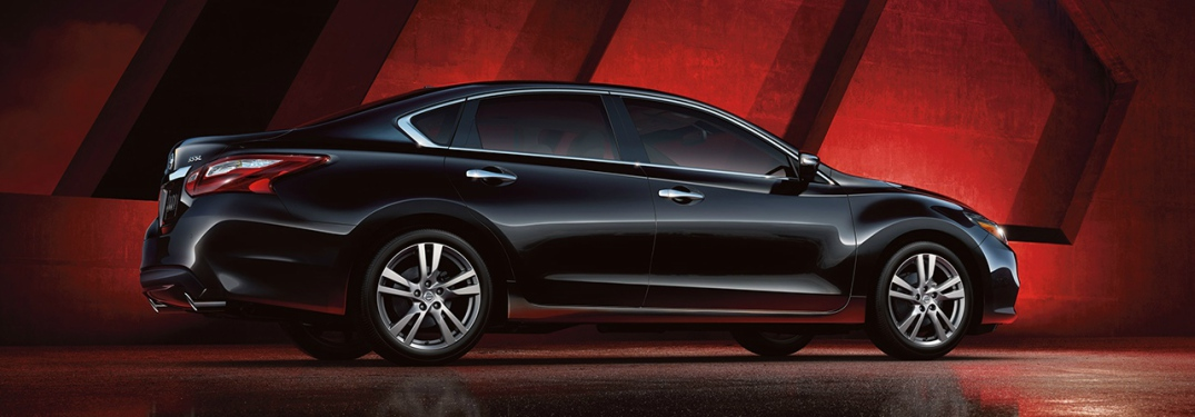 black 2018 Nissan Altima side view