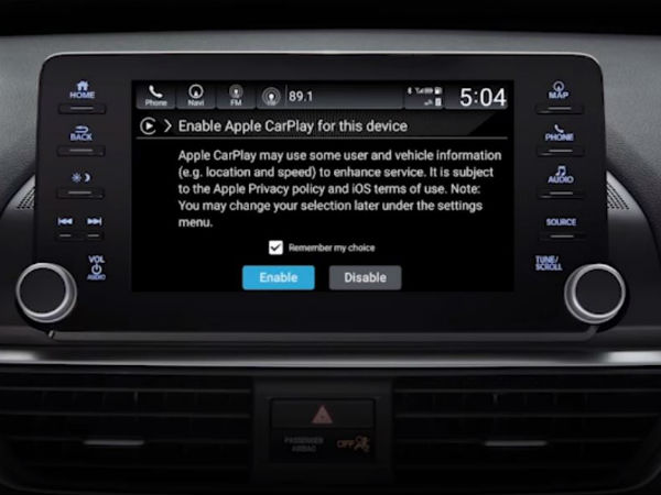 apple carplay in 2018 honda accord showing enable warning