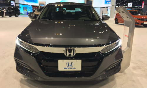 2019 Honda Accord Chicago Auto Show front fascia and grille