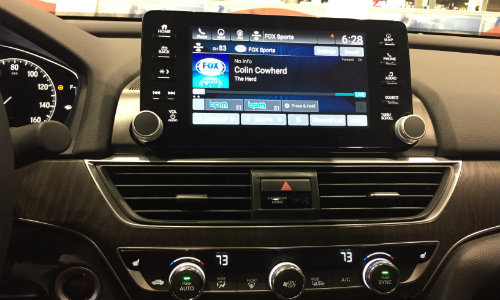 2019 Honda Accord Chicago Auto Show infotainment screen