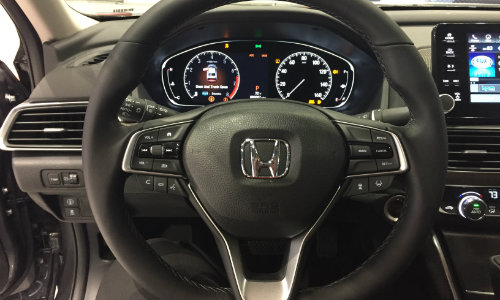2019 Honda Accord Chicago Auto Show steering wheel
